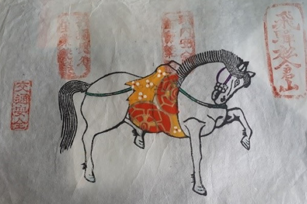 絵馬の色塗り